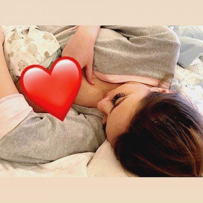 Как арбузы: Алена Рампунцель показала большую молочную грудь