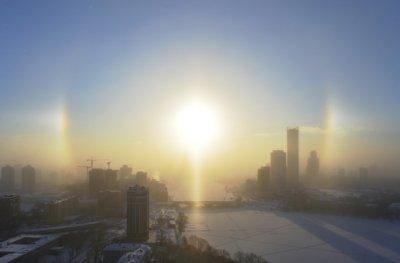 Три солнца появились над Екатеринбургом из-за морозов