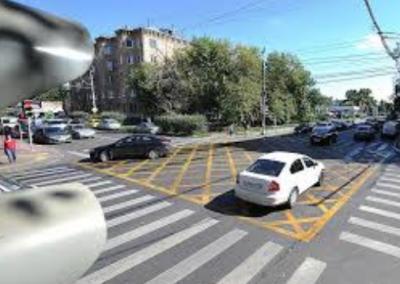 В Москве начнут штрафовать за остановку на «вафельной» разметке
