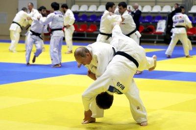 Путин повредил палец во время тренировки с дзюдоистами
