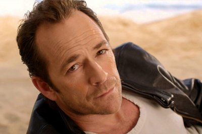 Звезда сериала «Беверли-Хиллз 90210» Люк Перри умер после инсульта