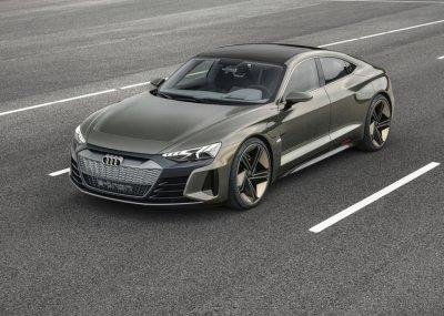 Audi Q4 e-tron получил два электромотора