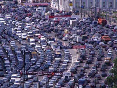 Названо количество экологически «грязных» и «чистых» машин в России