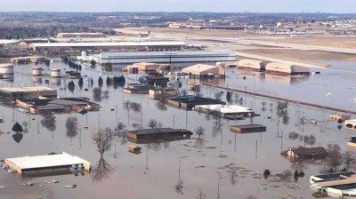 В США затопило военную базу с самолетами «Судного дня»