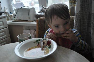 В Подмосковье голодный мальчик провел несколько дней у тела мертвой бабушки