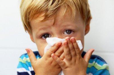 Стоит ли лечить насморк у ребенка