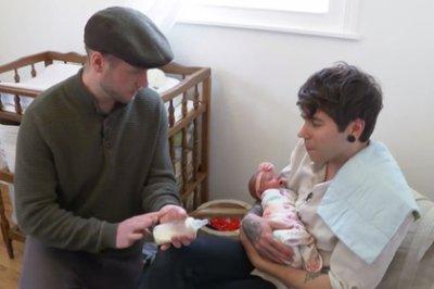 61-летняя женщина помогла сыну-гею стать отцом