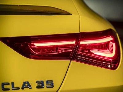 Появился официальный тизер заряженного Mercedes-AMG CLA 35