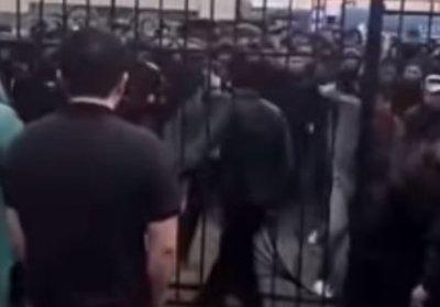 Массовую драку на рынке в Алматы сняли на видео