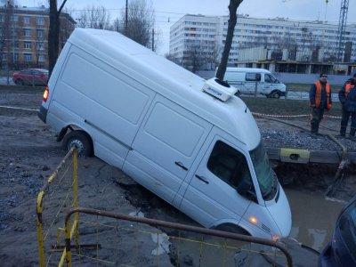 В Петербурге прорвало трубу с кипятком: погибла женщина
