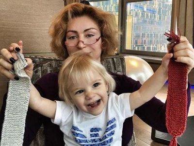 «Чудесные дети»: Симону Юнусову похвалили за сына и внучку