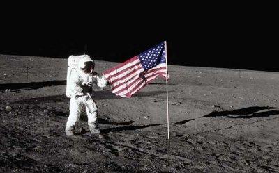 В NASA раскрыли секрет флагов США, установленных на Луне