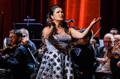 Анна Нетребко отменила два концерта в Берлине из-за болезни