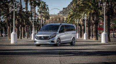 Минивен Mercedes-Benz EQV впервые заметили на улице
