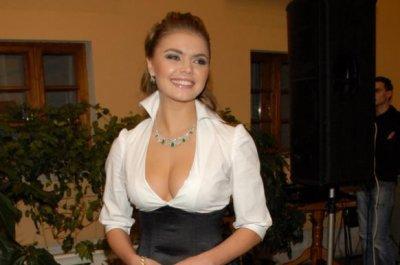 Алина Кабаева тайно родила двойню в Москве