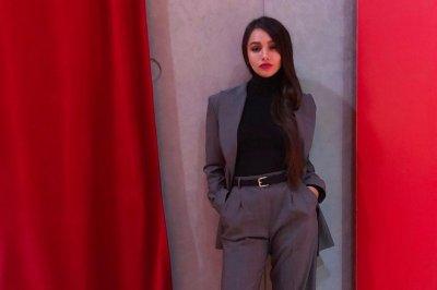 Мария Мельникова на церемонии журнала Glamour предстала в суперкоротком облегающем платье