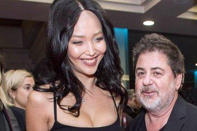 Жена Цекало Дарина Эрвин оголила грудь на новом снимке
