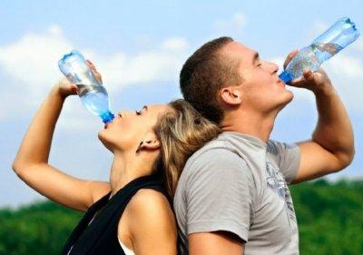 Сколько летом нужно пить воды
