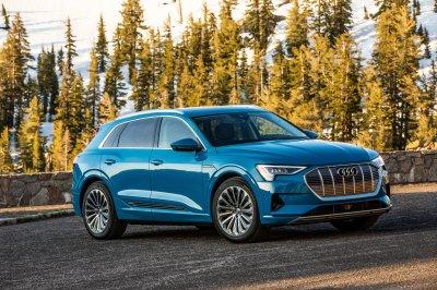 Audi отзывает свежие электрические кроссоверы e-tron