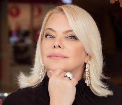 Яна Поплавская развелась из-за измен мужа после 25 лет брака