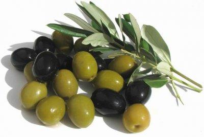 Медики рассказали, кому полезны оливки