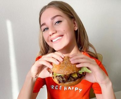 Кристина Асмус назвала трех самых красивых россиянок по своей версии