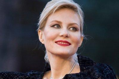 Рената Литвинова назвала себя страшной без макияжа