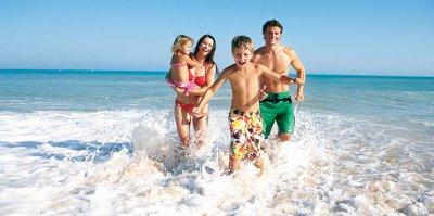 Медики рассказали, сколько надо отдыхать на море с детьми