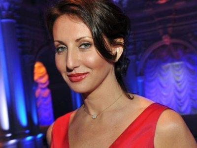 51-летняя Алика Смехова показала фигуру в белом бикини