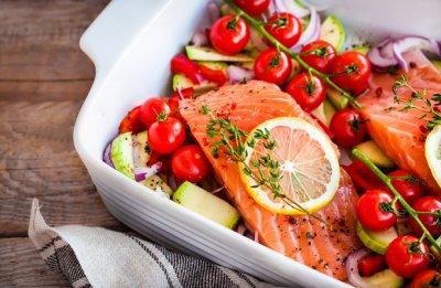 Названы продукты, которые обеспечат организм витамином D лучше солнца