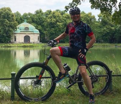 60-летний Александр Малинин за день на велосипеде проехал более 70 км