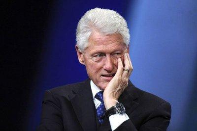 В особняке Эпштейна обнаружили портрет Билла Клинтона в платье и туфлях