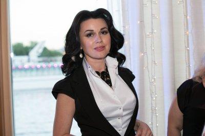 Анастасии Заворотнюк из-за долгов могут запретить выезжать из России