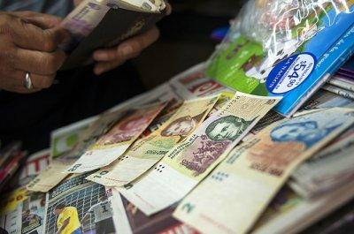 В Аргентине ввели ограничения на покупку долларов
