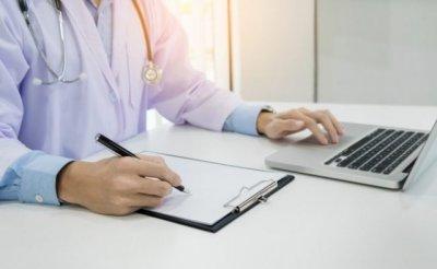 Врачи назвали 5 симптомов, указывающих на женские заболевания