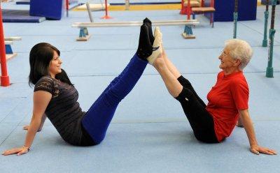 Фитнес-тренер показала идеальное упражнение для людей из пассивным образом жизни
