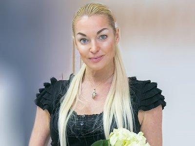 Анастасия Волочкова появилась на пробежке в пуантах