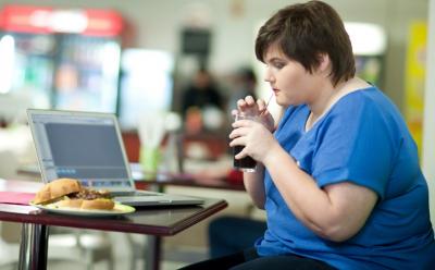 Врачи определили 6 опасных привычек, связанных с появлением рака
