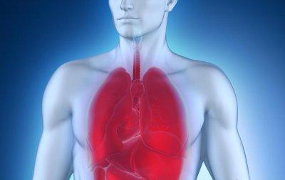 Врач описал симптомы, появление которых на фоне ОРВИ может указывать на развивающуюся пневмонию