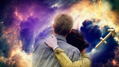 Астрологи назвали три знака Зодиака, которые могут влюбить в себя любого