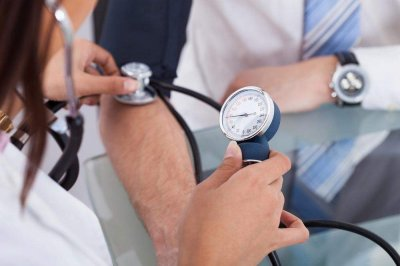 Болезни десен могут спровоцировать высокое кровяное давление