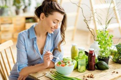 Врачи назвали продукты, которые выводят токсины из организма