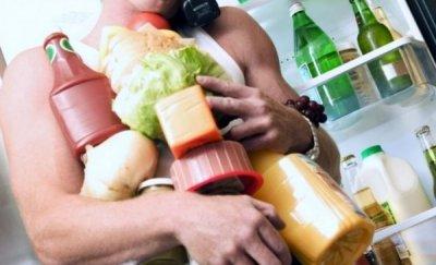 Треть продуктов из холодильников идет на помойку - как экономить на еде