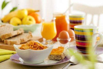 Названы 5 утренних привычек, которые помогут убрать жир на животе