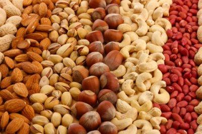 Диетологи рассказали, как канцерогены попадают в организм человека с употреблением орехов