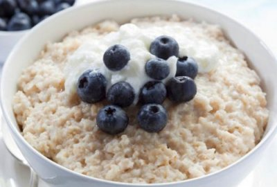 Диетологи назвали лучшие виды завтраков в холодное время года