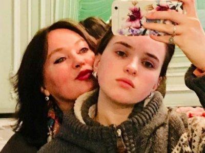 У 19-летней дочери Ларисы Гузеевой обнаружили опухоль