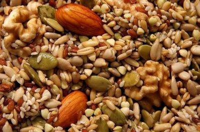 Эксперты рассказали, какие продукты помогают сбалансировать гормоны