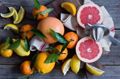 Названы фрукты, которые снижают холестерин в крови