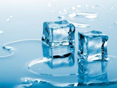 Физики обнаружили неожиданные свойства пограничного слоя поверхности льда